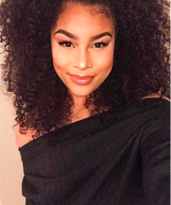 CURLYFEATURE – MEET Taylor